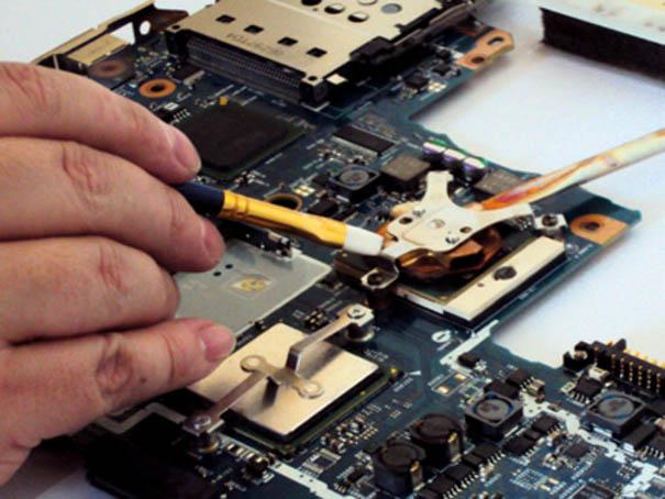 laptop-ekran-değişimi